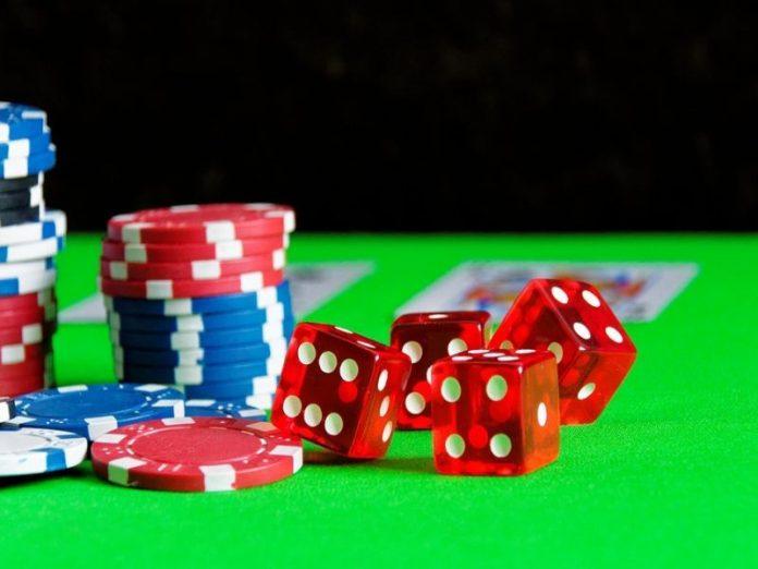 Domino Poker Games