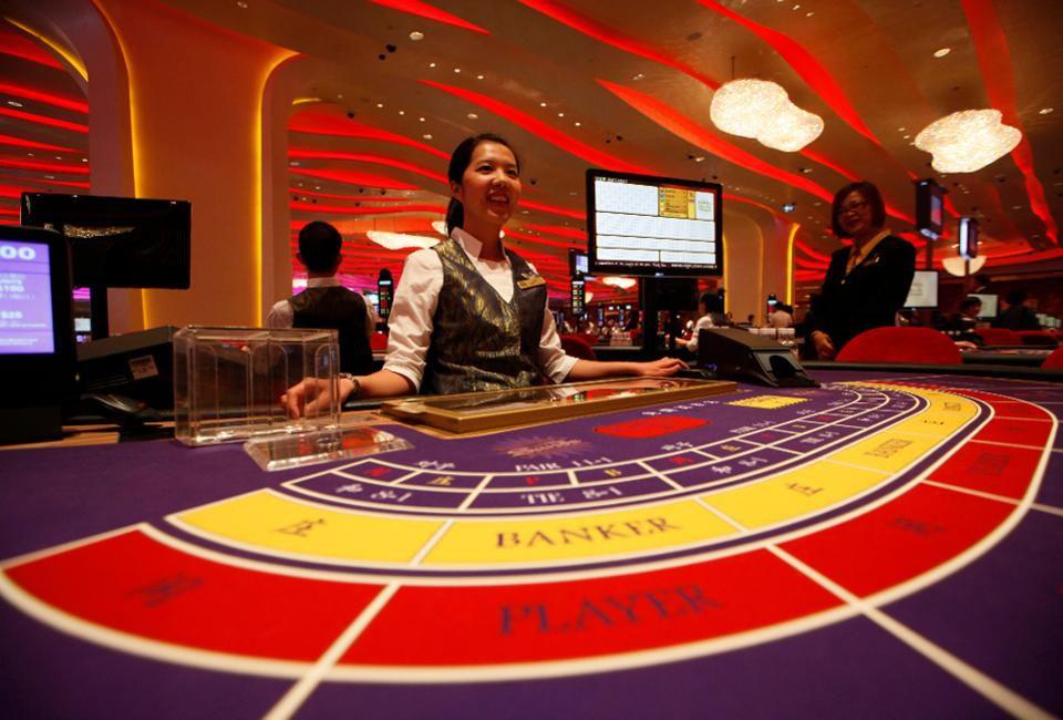 Crown Casino Dealer Wage